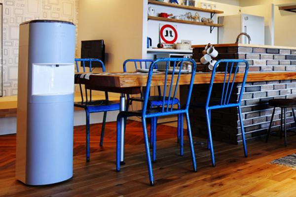 【青いウォーターサーバー】フレシャスdewoのブルーの設置と置き場所のイメージ
